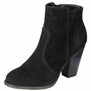 Breckelle's suede ankle boots black sz 10